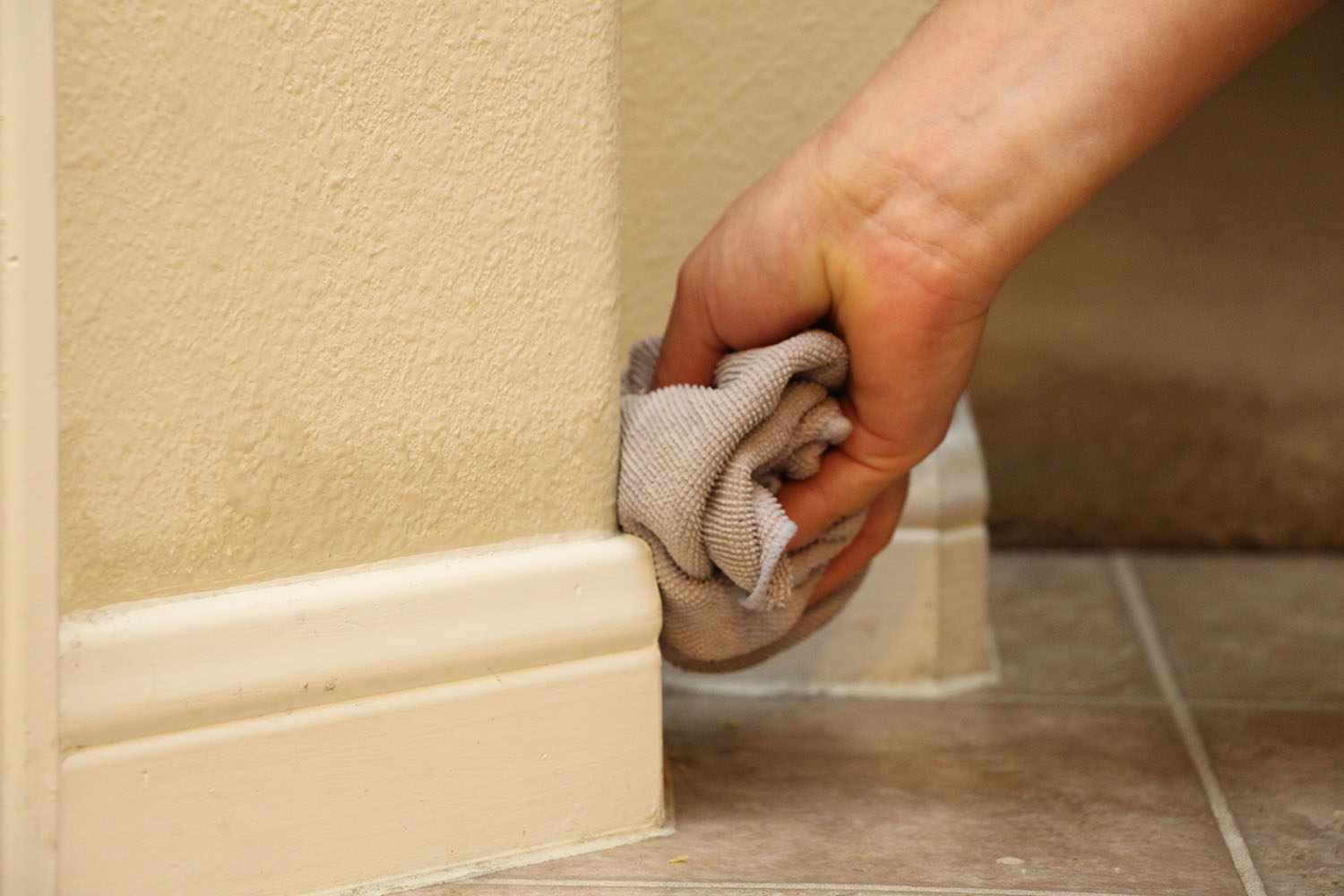 Best Way To Clean Baseboards King Of Maids Cleaning Services