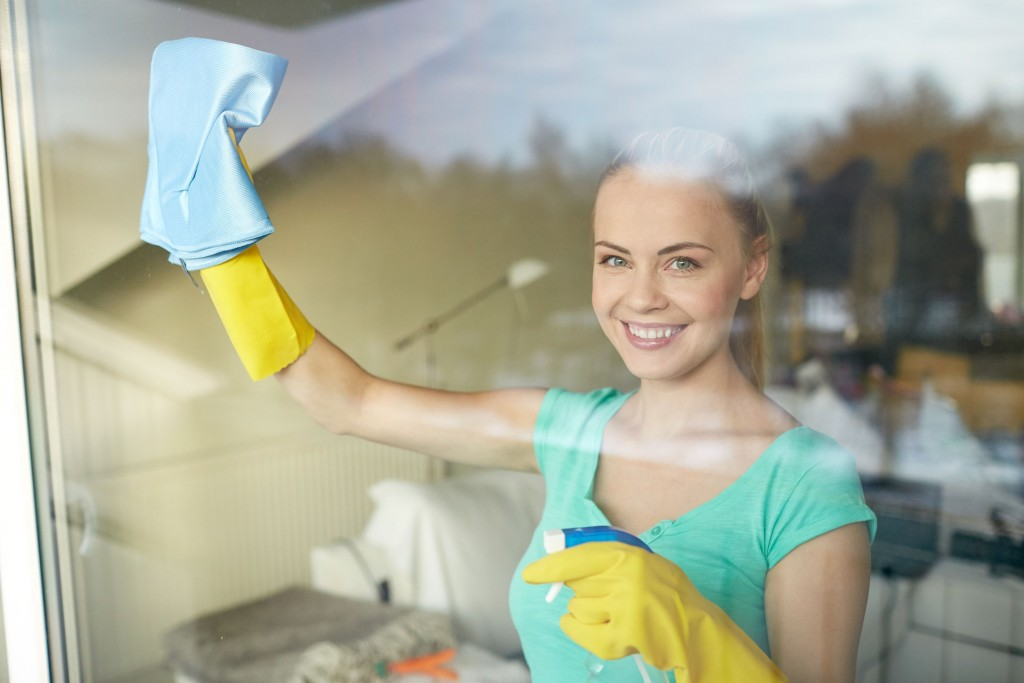 window cleaning - King of Maids