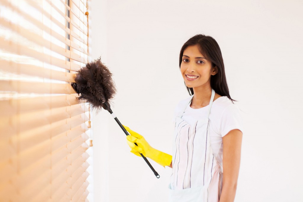 window blinds dusting