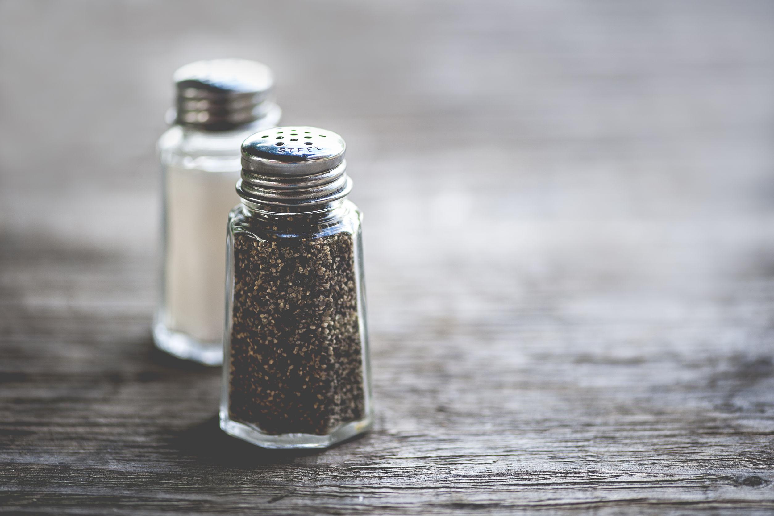 kitchen salt and pepper shaker